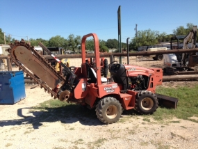 Ditch Witch RT40 Chain Trencher(Image 1)